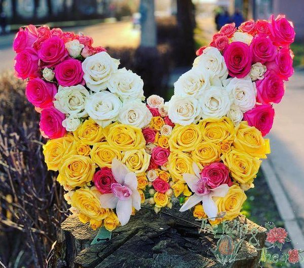 Aranjament floral fluture