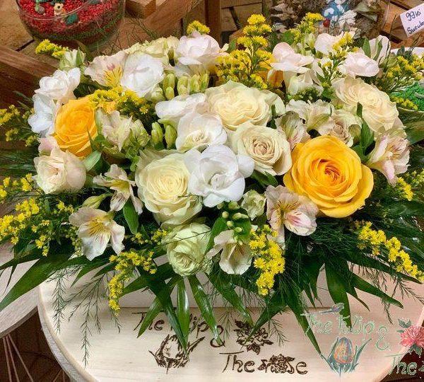 Cutie flori mix Alb si Galben
